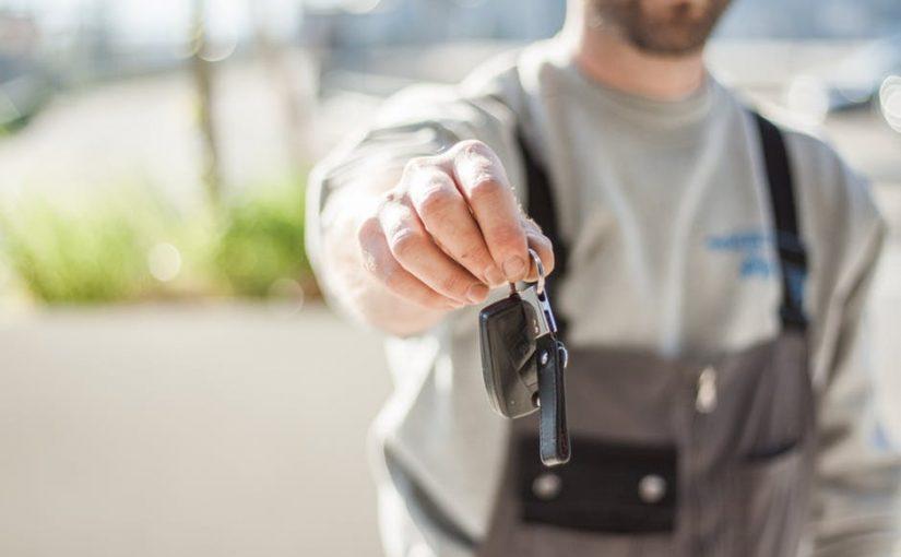 Na co należy zwracać uwagę wybierając części samochodowe?
