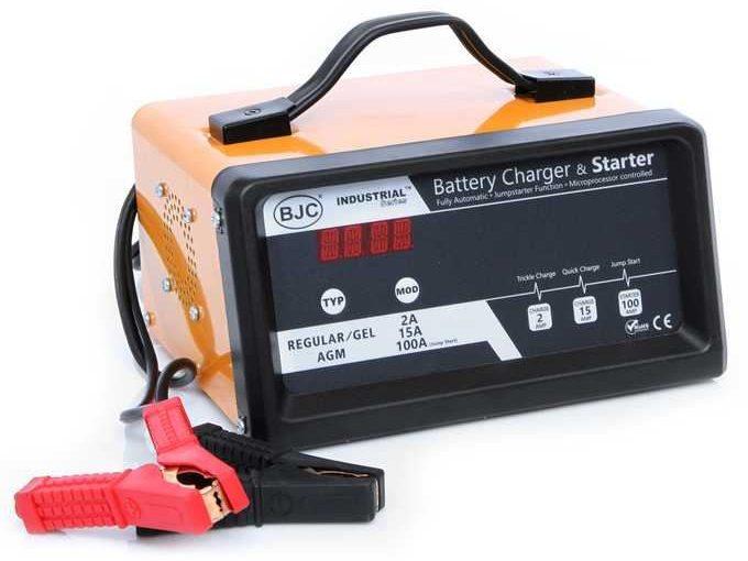 Jak szybko i bezpiecznie można uruchomić auto z rozładowanym akumulatorem?